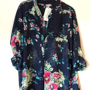 Kut from the Klotg Floral print button up blouse